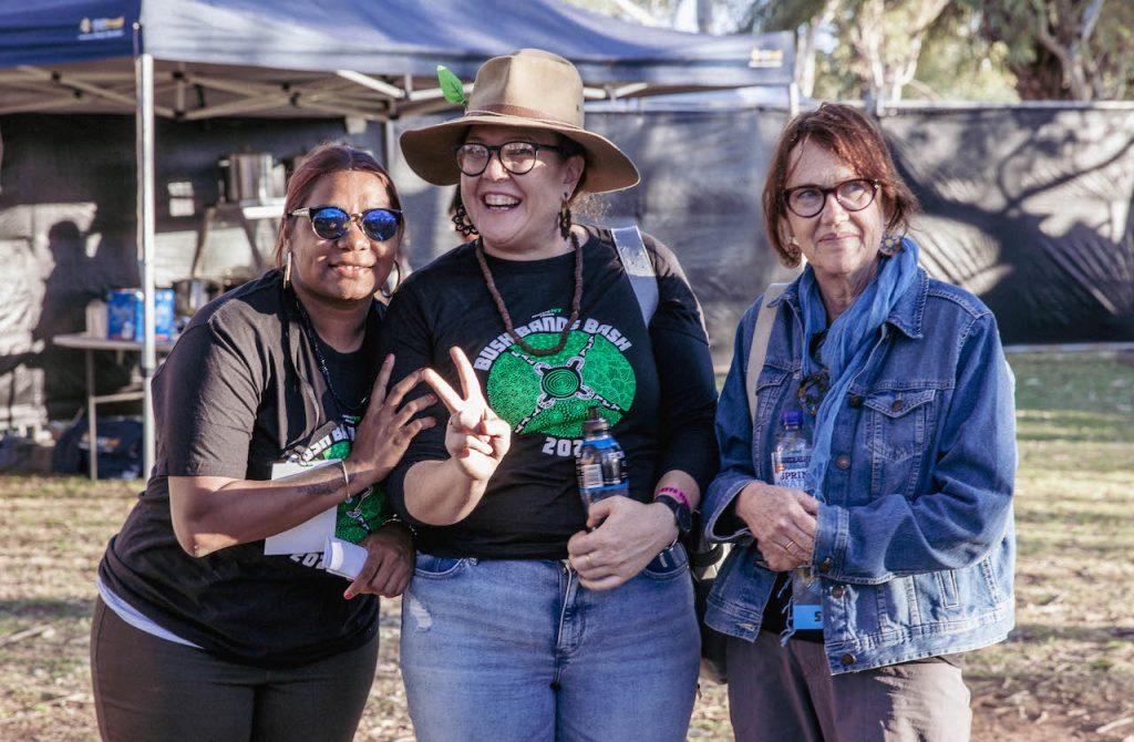 Casii, Donna & Delwyn 📷 Nico Liengme
